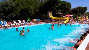 Bella Sardinia - Zwembad watertrappelen